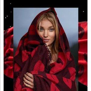 NWT Victoria's Secret Lips Cozy Throw Blanket
